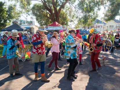 Invy Horn Jam Bendigo Bank Market Day (2018)